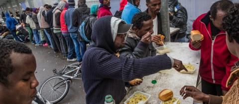 Réfugiés à Calais, la proposition d'un centre d'accueil