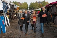 Les militants MRC de Calais sur le marché